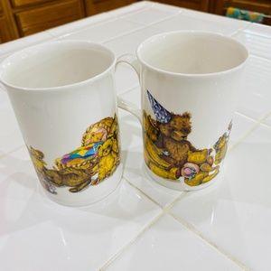 Set of 2 Karen Buckley bear mugs. 1992. EUC.